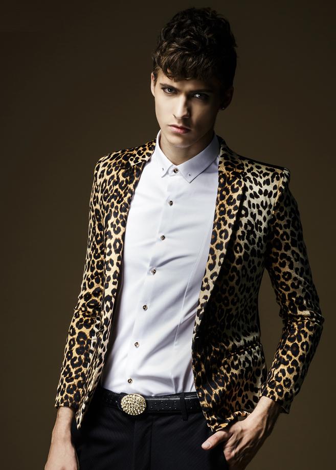 Realistic Looking Leopard Fashion Blazer Pilaeo